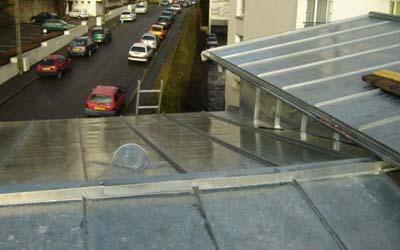Nantes couvreur zingueur couverture ardoises tuiles pose for Travail du zinc toiture